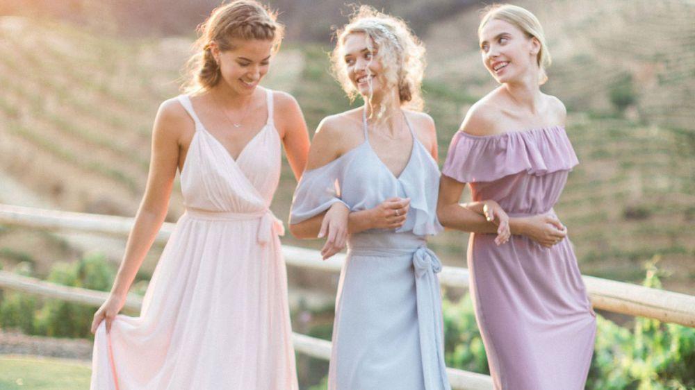 Какими должны быть платья подружек невесты  d9ff0eb18f877