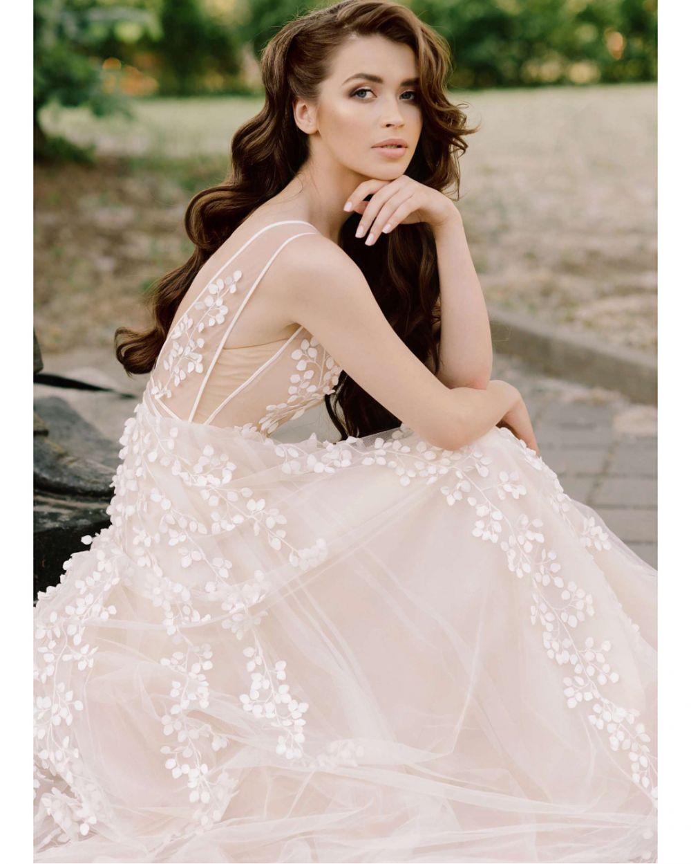 b225275224f Белорусский Дом моды Papilio уже более 15 лет заслуженно занимает свою нишу  в свадебной индустрии. В уютном салоне на Большой Полянке вам помогут ...