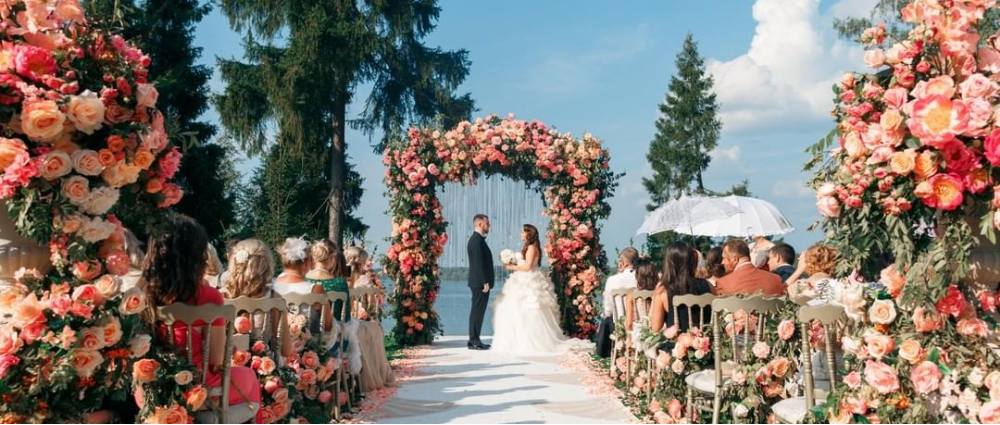 Главные тренды флористики 2019 года: для декора и букета невесты